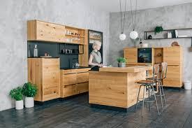holzküchen natürliche materialien für ihre küche xxxlutz