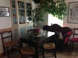 mitten im wohnzimmer ein baum picture of cafe kluntje