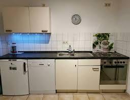küche küchenschränke und arbeitsplatte
