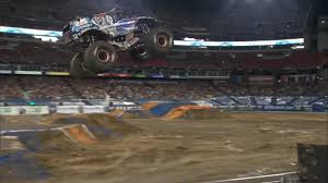 Lucas Oil Crusader Full Freestyle Run - Nashville | Monster Jam 2017 ...