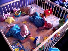 der richtige laufstall für ihr baby sicherheit in den