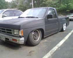 ME - Airbagged 1991 Nissan Pickup | HondaSwap
