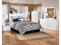 signature design by ashley bostwick shoals casual cottage 5 drawer