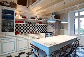 schachbrett fliesen küche interieur