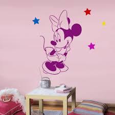 chambre minnie mouse disney minnie mouse pochoir réutilisable pour chambre denfant
