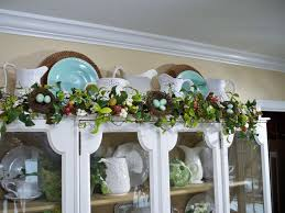 Place On A Mantle Or Top Your Cupboard With This Colorful Dogwood And Berry Garland H191015