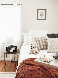 Grab Throw Pillows That Are Fall Themed