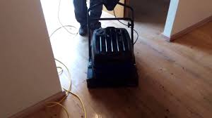 Bona Floor Refresher Or Polish by Bona Deep Clean Solution Und Der Bona Power Scrubber Youtube