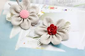 These Handmade Fabric Flowers Are Magical When You Finish Making One Youll Want To Make A Second And Third Until Run Out Of Pretty Buttons