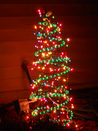 Griswold Christmas Tree by Homemade Outdoor Christmas Tree Decor Made From Tomato Cages