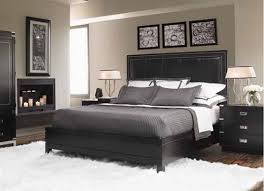 Small Bedroom Design In Black And White Colors