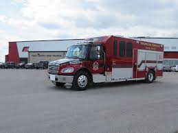 100 Freightliner Fire Trucks Winnipeg Department Water Rescue Fort Garry