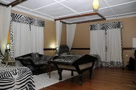 Zebra Print Bedroom Decorating Ideas by Zebra Print Decorating Ideas Bedroom Home Design Ideas