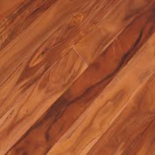 Apply The Adhesive With A Scrap Direction To Lay Laminate Flooring