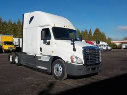 Tractors | Trucks For Sale Cventional Sleeper Trucks For Sale In New Jersey Kenworth Sleepers For Sale 2014 Lvo Vnl430 Fontana Ca 50039942 Cmialucktradercom 2016 Freightliner Cascadia Evolution Bolingbrook Il 5004638925 And Used For On Coronado 2013 Scadia Elizabeth Nj 5005646940 T660 Tampa Fl 5003187055 2012 French Camp 05011908 Tractors