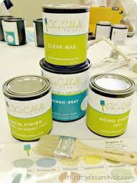 She Explains Some Of The Differences Between CeCe Caldwell Chalk Paint And Annie Sloan Love This Brand