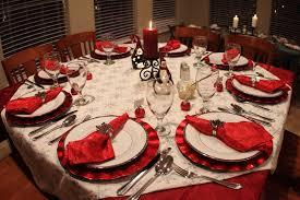 Dining Table Centerpiece Ideas For Christmas by Christmas Dinner Ideas For Small Family Lizardmedia Co