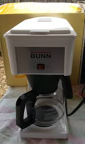 Bunn Velocity Brew 10 Cup Coffee Brewer White Model Grw