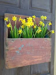 Primitive Decorating Ideas For Outside by 25 Unique Primitive Outdoor Decorating Ideas On Pinterest