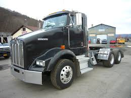 2005 Kenworth T800 Tandem Axle Day Cab Tractor For Sale By Arthur ...