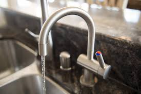 Kitchen Sink Smells Like Rotten Eggs by Kitchen Garbage Disposal Repair 5 Do U0027s And 5 Don U0027ts To Prevent