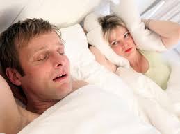 in ruhe schlafen was gegen schnarchen tun kann