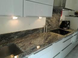 plaque granit cuisine awesome marbre et granite cuisine ideas design trends 2017