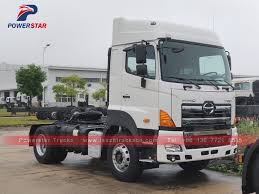 100 Tractor Truck Hot Selling HINO 6wheels Trailer Towing Head In China