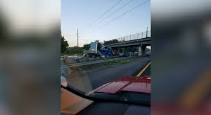 I-75 Crash Causes Traffic Congestion Near Newberry Road Sthbound I75 At I280 Now Open After Semi Truck Accident Serious Wreck On South I285 Youtube Semitruck Closes For Hours Live Semitruck Crash In Manatee County Florida July 20 One Dead Semitrailer Falls Off Crushes Vehicle Below Closed 212 Ogemaw Herald Ocala Post Daniel Loople Dies After Mangled Metal Mess On Semi Rolls Over Northbound Arenac Ipdent Removed Partially Haing Overpass Minivan Dragged 16 Miles Arending Trailer Amid Heavy Death The Highway Driver Saved By Witnses Fiery Crash Abc 36 News