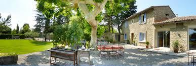 chambres d hotes luberon charme location chambre d hôtes ref 84g1376 à saumane de vaucluse gîtes