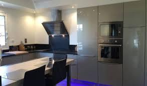 cuisine grise et plan de travail noir cuisine grise et plan de travail noir gallery of with cuisine