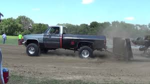 Hot Street Small Block Chevy Pulling Truck - YouTube
