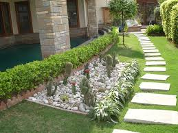 RM 8x8 Sqft Space White Unpolished Pebbles 320Kg For Landscaping