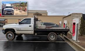 100 Powerblock Trucks Tesla Owners Complain Of Being ICEd By Rude Pickup Truck