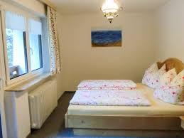 ferienappartements kunterbunt wohnung 1 schlafzimmer 2
