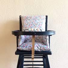 assise chaise haute coussin de chaise haute en liberty betsy mazette cie