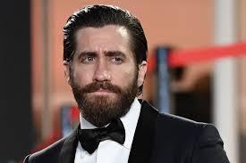 Scarface Bathtub Scene Script by Jake Gyllenhaal U0027s Netflix Film Interrupted By Boos At Cannes