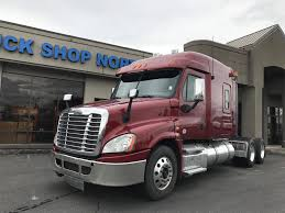 2013 FREIGHTLINER CASCADIA 125, Auburn WA - 5005058005 ... Jeep Repair Auburn Wa Service Auto Used 2015 Audi Q7 30l Tdi Premium Plus Near Wa Larson Cars For Sale At Volkswagen In Autocom Reporter Semi Truck Loses Load Of Tires Protow 24 Hr Towing Car Dealer Evergreen Sales And Lease Chrysler Dodge New Dealership Driver Slams Truck Into Donut Shop Youtube Auburns Onestop Suv Fleet Vehicle Maintenance 2006 Mitsubishi Fuso Fe84d 5002641211 Ltrv Antique Classic Mack Trucks General Discussion Nissan Titan Features Specs Of