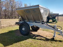 100 Fertilizer Truck C C Equipment Sales New And Used Spreaders And Sprayers
