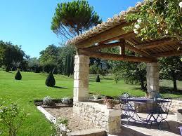 cuisine d ete couverte la cuisine d été de la bastide en provence avec sa terrasse couverte