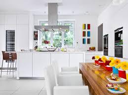 offene küche in weiß zuhausewohnen