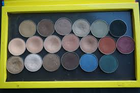 REVIEW AND SWATCHES: MAKEUPGEEK EYESHADOW COLLECTION 19 ...