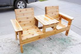 DIY Recycled Pallet Patio Furniture Projects