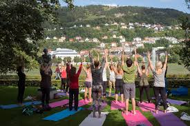 Dionnespace Yoga With Dionne Bergen Outdoor