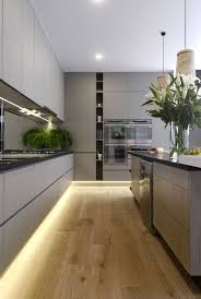 grey kitchen cozinha cinza via stylecurator