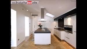 küche design weiße hochglanz fronten graue