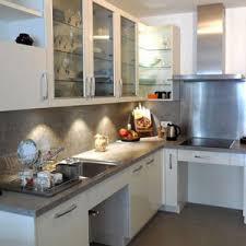cuisine pour handicapé cuisines sur mesure aménagées pour personnes handicapées amr