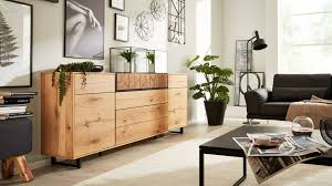 interliving wohnzimmer serie 2106 sideboard 620810 raucheiche hirnholz metallkufen 2 klappen zwei türen eine schu
