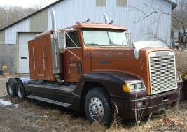 1991 FREIGHTLINER Conv Cab Truck Tractor W Sleeper