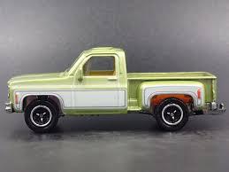 1975 CHEVY CHEVROLET Stepside Square Body Truck 1/64 Diorama Diecast ...
